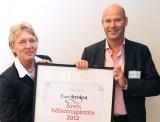 Hälsoföretaget Euro Accident tar emot priset som ÅretsHälsoinspiratör