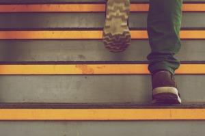 Att ta trappan är ett utmärkt sätt att få in lite smygträning i vardagen. Foto: Pixabay