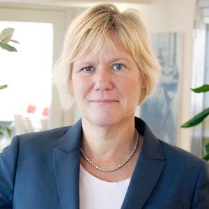 """""""Vi känner att vi behöver en """"doer"""" som inte är rädd för svåra utmaningar"""" sa socialförsäkringsminister Annika Strandhäll till Expressen om Ann-Marie Begler."""